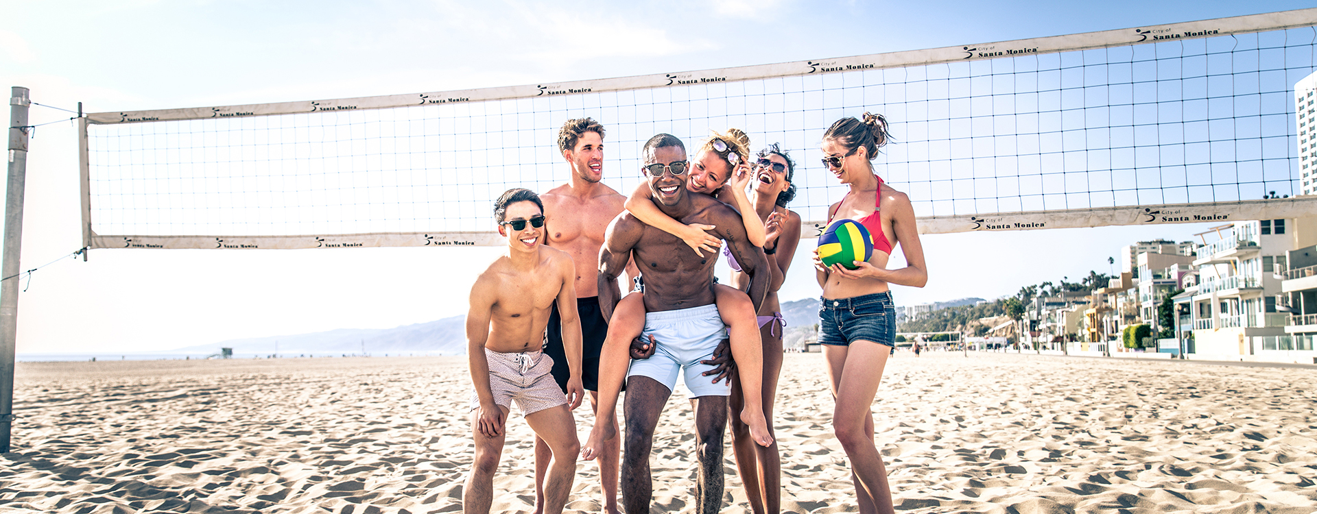 beach volleyball players in santa monica